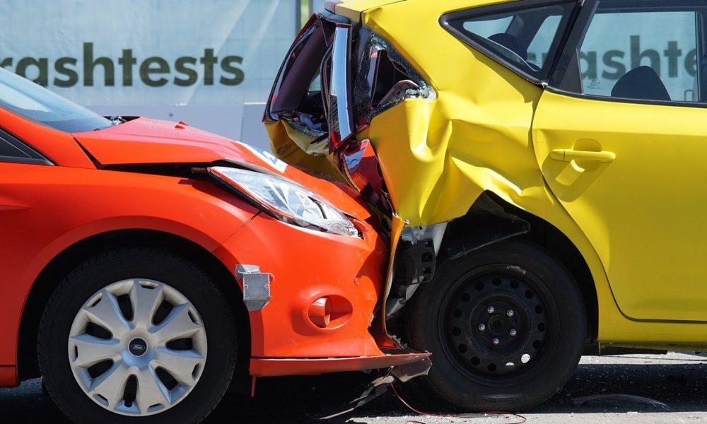 Przeważnie polisa zabezpieczenia pokrywa wypłatę wynagrodzenia w wypadku…